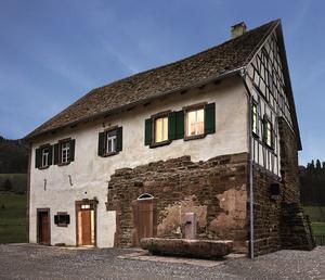 Das Schlössle von Effringen an seinem neuen Standort (Foto: Schwarzwälder Freilichtmuseum Vogtsbauernhof)