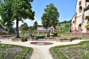 Der Abteigarten des Klosters Bronnbach (Rechte: Eigenbetrieb Bronnbach)