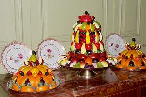 Obstpyramiden. Die leckeren Früchte stammen teils aus dem Schlossgarten Schwetzingen (Foto: SSG, Oswald)
