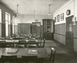 Lesezimmer des Stuttgarter Arbeiterbildungsvereins in seinem Arbeiterheim an der Heusteigstraße, vor 1913