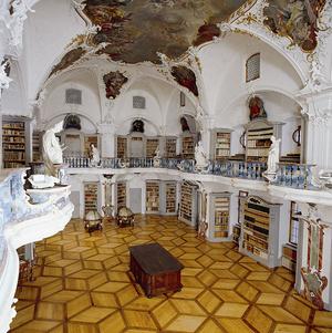 Der barocke Bibliothekssaal des Klosters St. Peter auf dem Schwarzwald