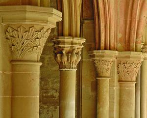 Säulenbündel aus der Vorhalle der Klosterkirche (Foto: Staatsanzeiger, Erbsen-Haim)