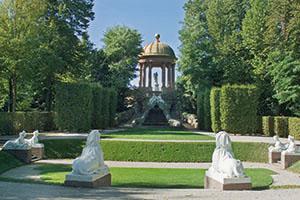 Der Tempel des Apoll mit Naturtheater (Foto: SSG/LMZ, Arnim Weischer)