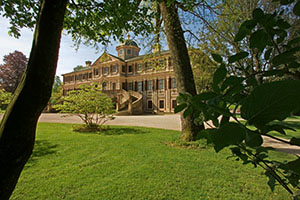 Schloss Favorite im klassischen Landschaftsgarten (Foto: SSG/LMZ)