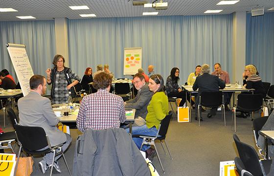 Beim zweiten Netzwerk-Treffen des Staatsanzeigers in Stuttgart diskutierten rund 100 Gemeinderäte aus dem gesamten Land die Herausforderungen, vor denen ihre Kommunen stehen. Foto: Staatsanzeiger