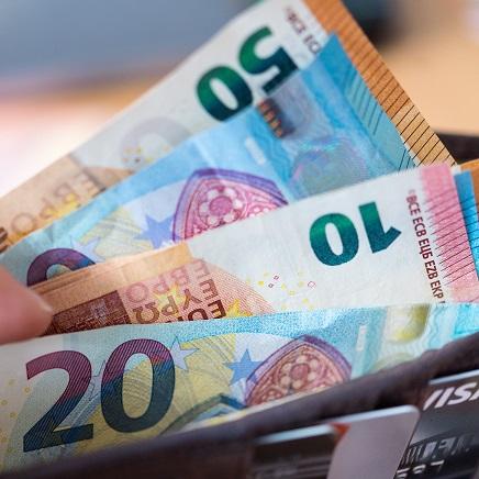 Mit Preisen kann man seine Kunden anlocken - aber auch vergraulen. Foto: Monika Skolimowska/ dpa Zentralbild