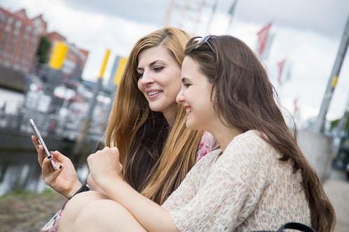 Wissensvermittlung unterhaltsam rüberzubringen - eine Herausforderung in den sozialen Netzwerken. Foto: dpa/ dpa-tmn | Christin Klose