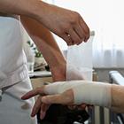 Die Ausbildung für Pflegeberufe wird seit diesem Jahr reformiert. Foto: dpa/Joker